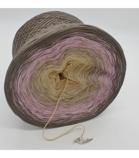 gradient yarn 4ply Rauchquarz - taupe outside 3