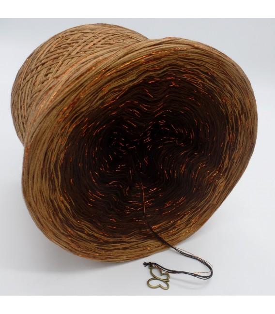 gradient yarn 4-ply Schokokuss with Glitter - Mocha outside 3