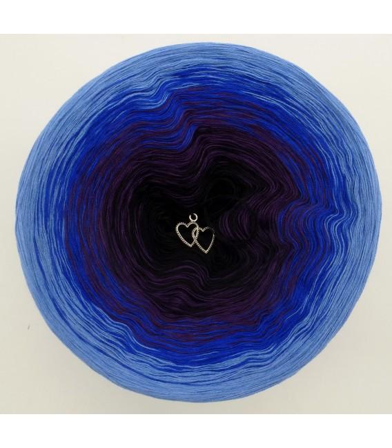 gradient yarn 4ply Magic Blue - Ciel outside 2