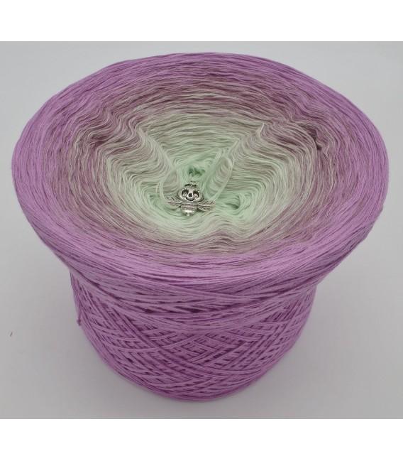 gradient yarn 4ply Spätsommerträume - amethyst outside