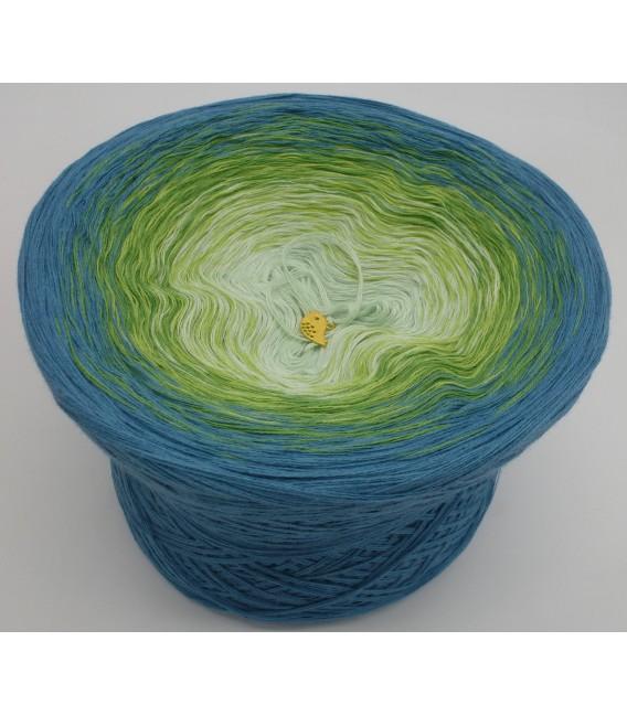 gradient yarn 4-ply Zartes Erwachen - lightpetrol outside