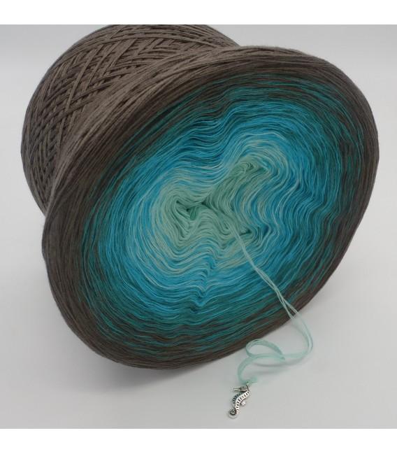 gradient yarn 4-ply Meeresspiegel - taupe outside 3