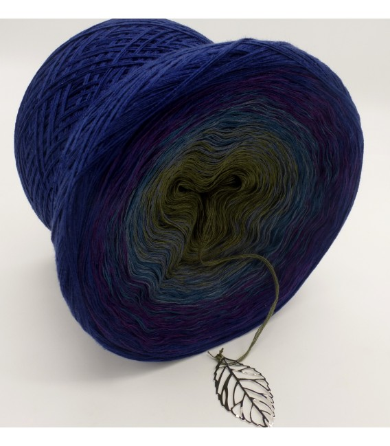 gradient yarn 4-ply Auge des Hurrikan - Royal outside 3