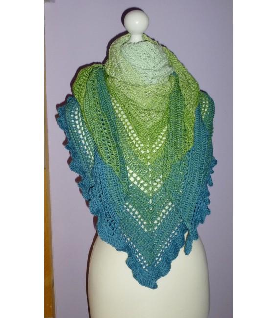 gradient yarn 4-ply Zartes Erwachen - lightpetrol outside 5