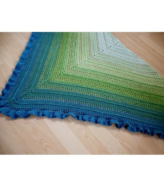 gradient yarn 4-ply Zartes Erwachen - lightpetrol outside 6
