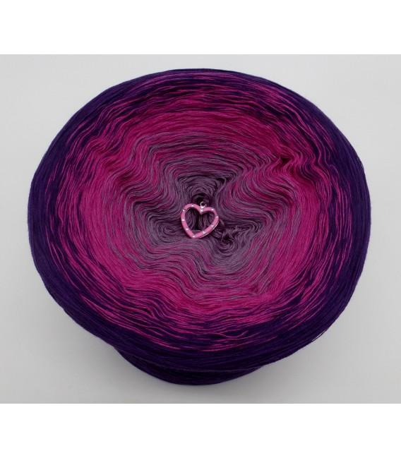 gradient yarn Wild Berries - Purple outside 2