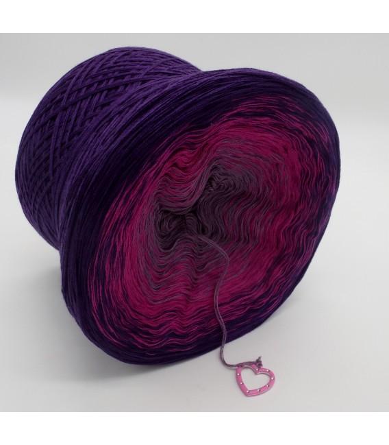 gradient yarn Wild Berries - Purple outside 4