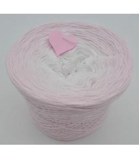 gradient yarn 4ply Schneeweißchen - pastel pink outside