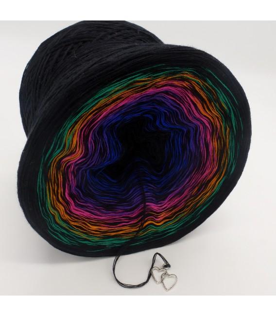 Colors in Love (Цвета в любви) - черный непрерывно - 4 нитевидные градиента пряжи - Фото 3
