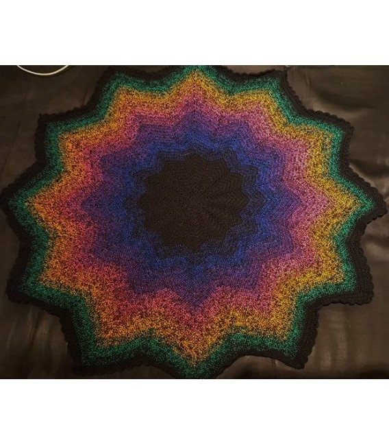 Colors in Love - Black continuously - 4 ply gradient yarn - image 7