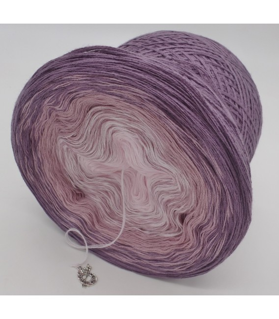 gradient yarn 3ply Angel Dust 3F - violet outside 4