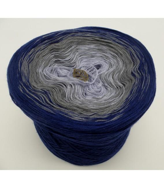 Blue Velvet (Синий бархат) - 3 нитевидные градиента пряжи - Фото 2