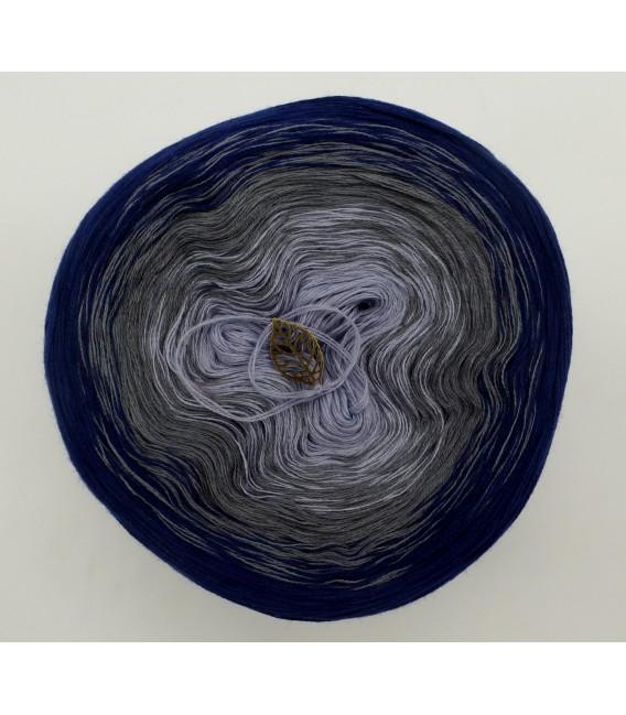 Blue Velvet (Синий бархат) - 3 нитевидные градиента пряжи - Фото 3