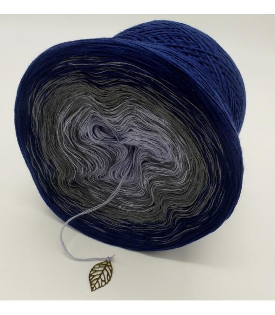Blue Velvet (Синий бархат) - 3 нитевидные градиента пряжи - Фото 5