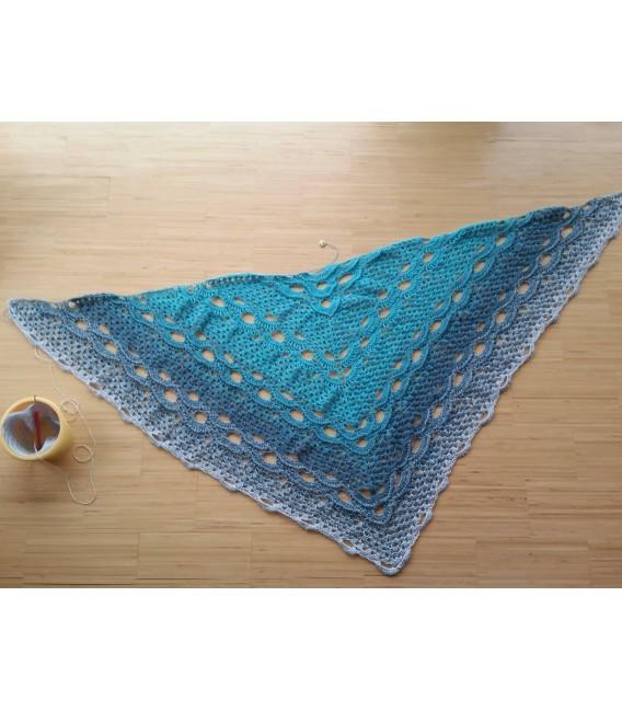 Blaue Lagune - 3 ply gradient yarn image 10