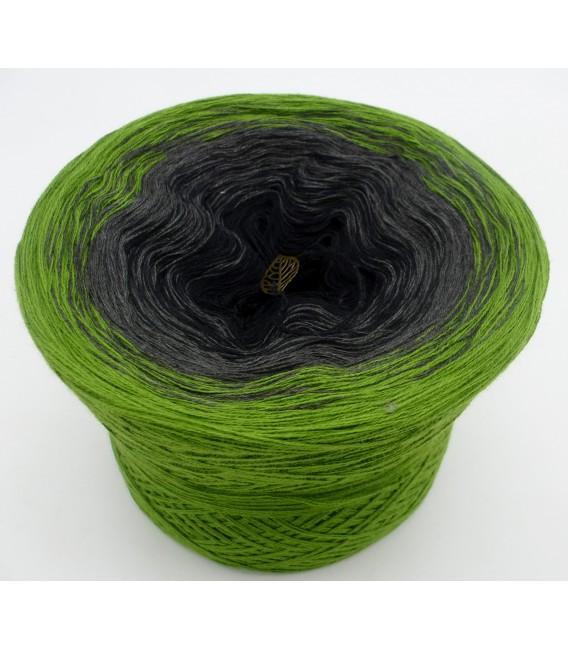 Geheimnisvolle Gedanken - 3 ply gradient yarn image 2