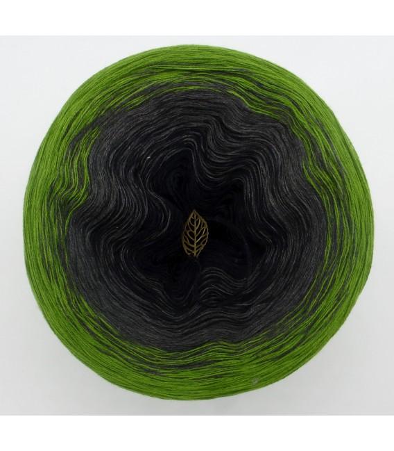 Geheimnisvolle Gedanken - 3 ply gradient yarn image 3
