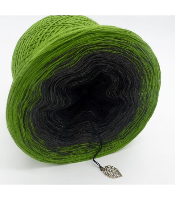 Geheimnisvolle Gedanken - 3 ply gradient yarn image 4