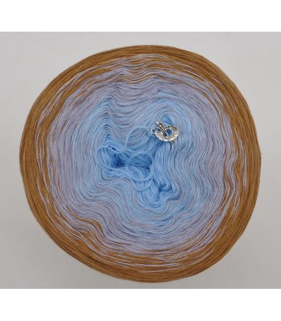 Himmel und Erde - 3 ply gradient yarn image 3