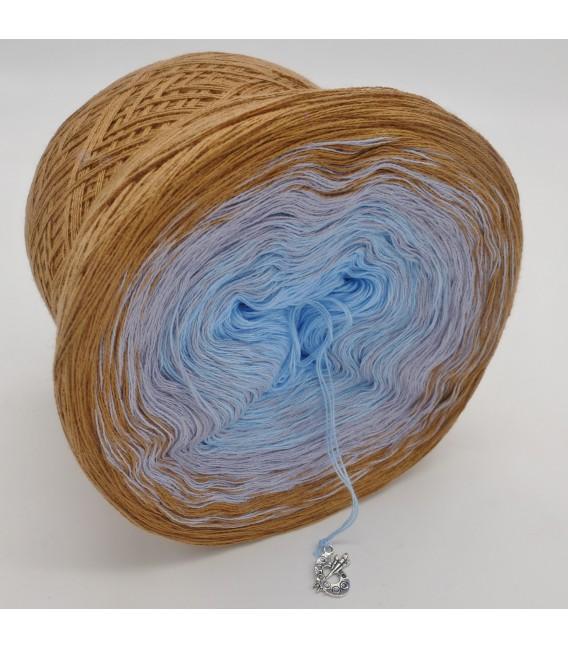 Himmel und Erde - 3 ply gradient yarn image 4