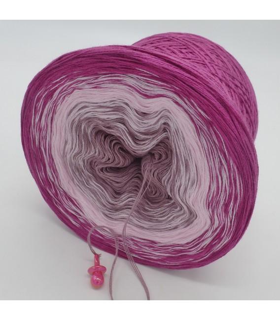 Himbeereis - 3 ply gradient yarn image 5