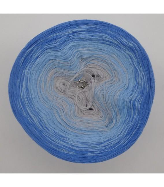 Himmlische Träume - 3 ply gradient yarn image 3