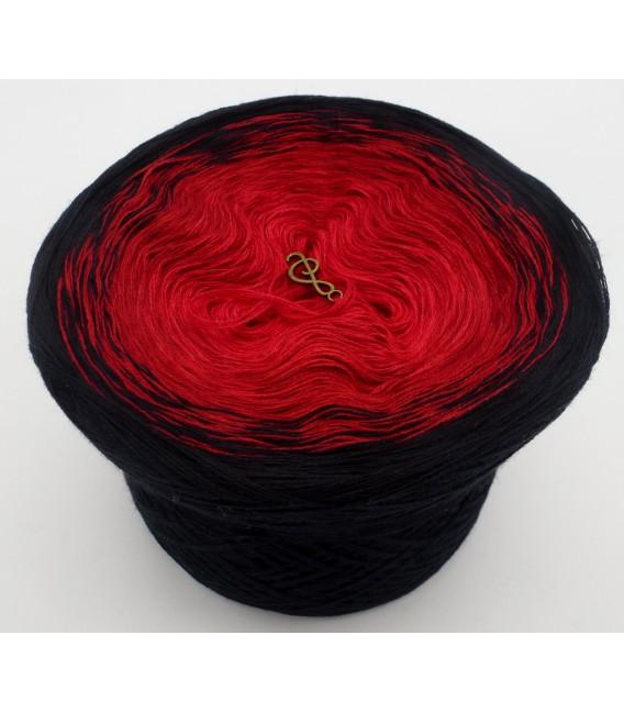 gradient yarn 3ply Höllenfeuer 3F - black outside