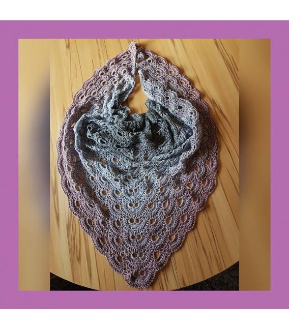 gradient yarn 3ply Indian Rose 3F - medium gray outside 5