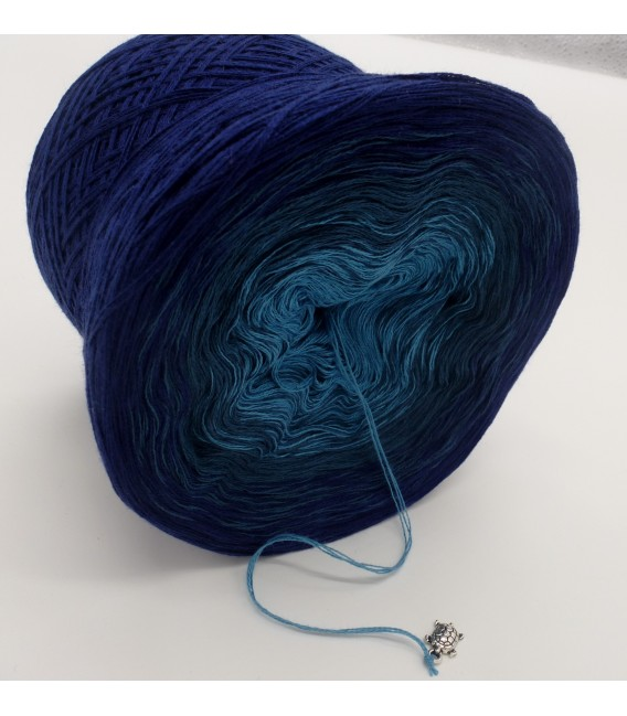 Ozean der Träume - 3 ply gradient yarn image 4