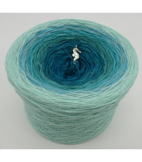 Mauritius - 2 ply gradient yarn image 3