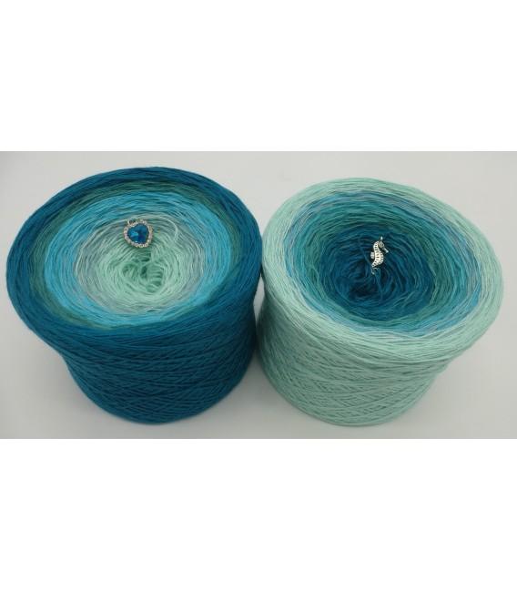 Mauritius - 2 ply gradient yarn image 1