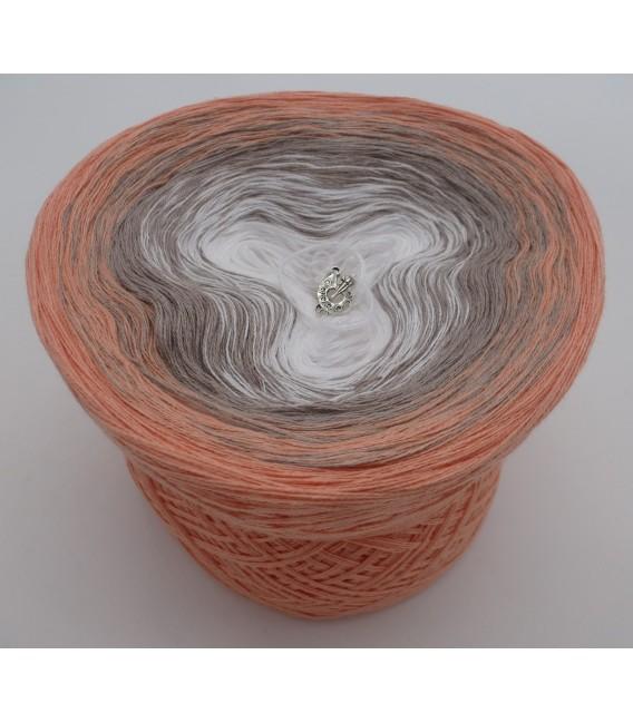 Streichelnde Hände - 3 ply gradient yarn image 2