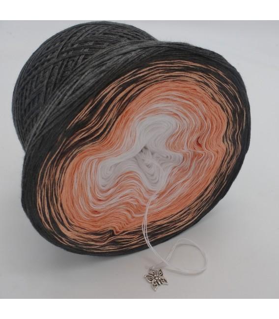 Unschuldiger Traum - 3 ply gradient yarn image 4