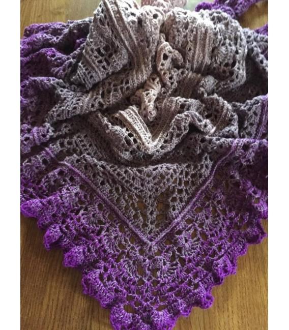 Träumendes Veilchen - 3 ply gradient yarn image 10