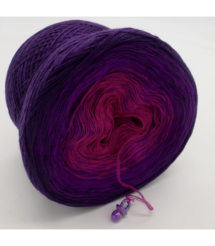 Color gradient yarn with sequins First Lady