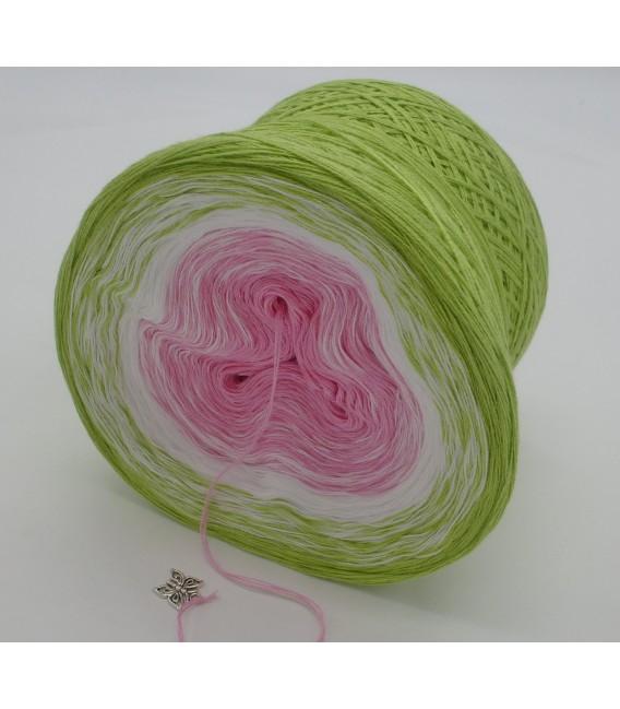 Zarte Blüten - Farbverlaufsgarn 3-fädig - Bild 5