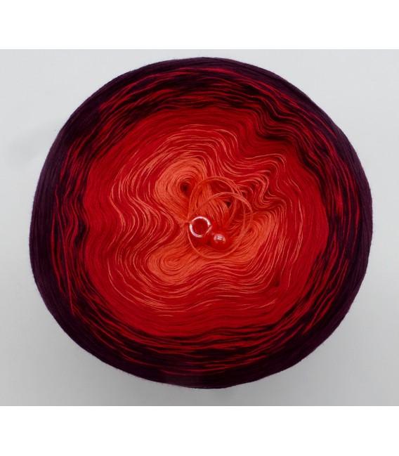 Bloody Mary (Кровавая Мэри) - 3 нитевидные градиента пряжи - Фото 3