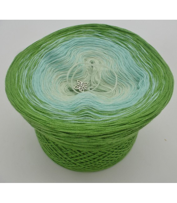 Zarte Frühlingsknospen - 3 ply gradient yarn image 2