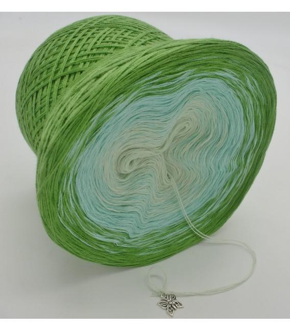 Zarte Frühlingsknospen - 3 ply gradient yarn image 4