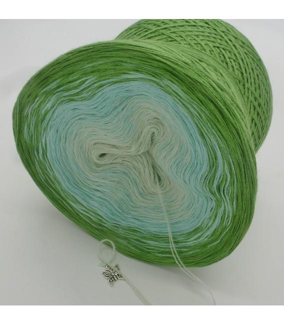 Zarte Frühlingsknospen - 3 ply gradient yarn image 5