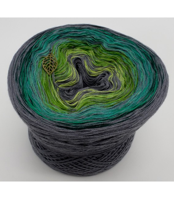 Green - green gras of home 3F - medium gray continuously - 3 ply gradient yarn image 1
