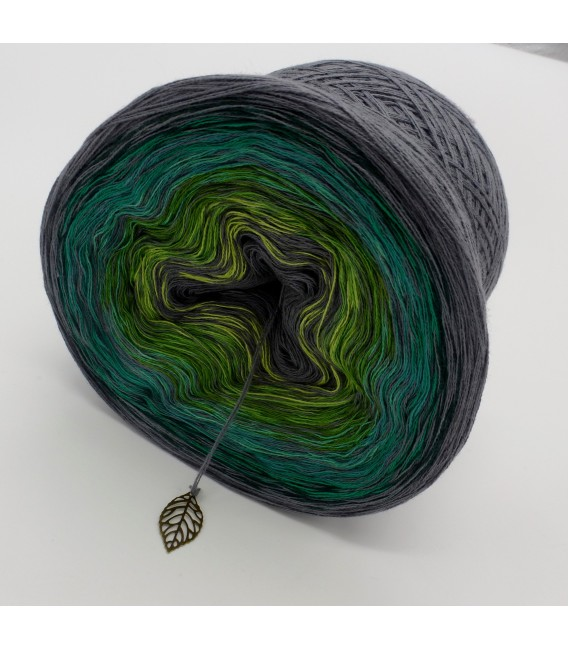 Green - green gras of home 3F - medium gray continuously - 3 ply gradient yarn image 3