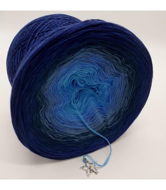 Mondstaub (moondust) - 4 ply gradient yarn - image 4