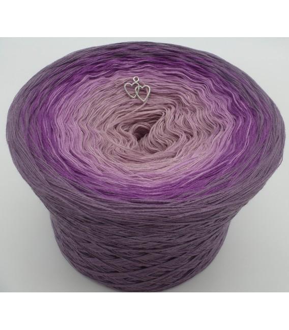 Farbverlaufsgarn Lila Wolken - Violett aussen