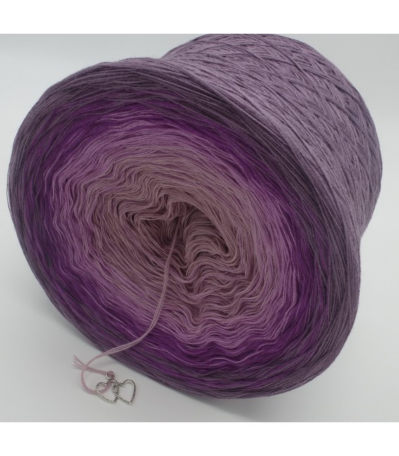 gradient yarn Lila Wolken - violet outside 4