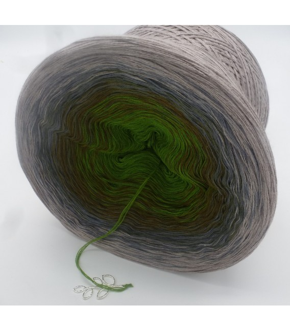 Barfuß im Moos (Barefoot in moss) - 4 ply gradient yarn - image 4