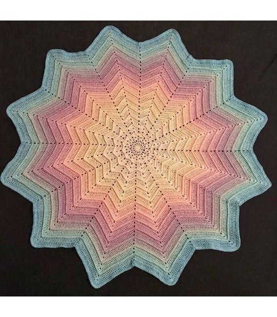 Pastellinchen (pastel rabbit) - 4 ply gradient yarn - image 12