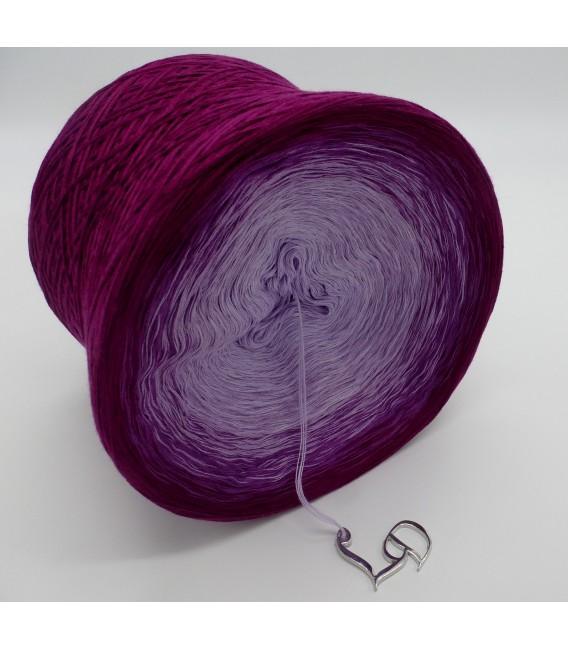 gradient yarn 4ply Brombeer Mond - blackberry outside 5