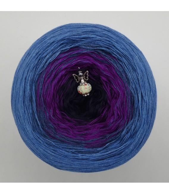 September (septembre) Bobbel 2017 - Jean frêne bleu extérieur - 4 fils de gradient filamenteux