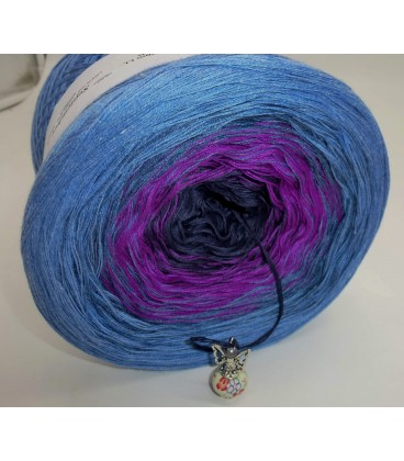 September Bobbel 2017 - Jeans blue mottled outside - 4 ply gradient yarn